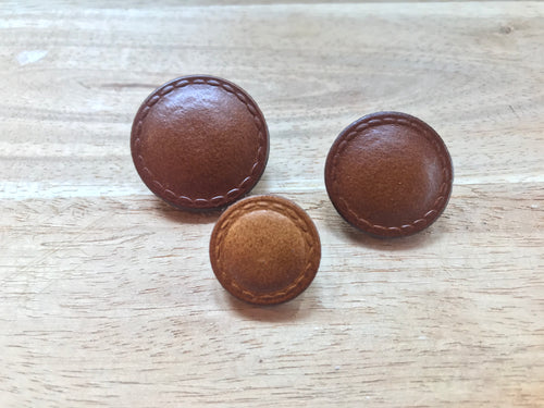 Flat Top Brown Leather Button