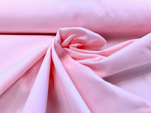 Lightweight Peach/Pink 100% Cotton Broadcloth.    1/4 Meter Price