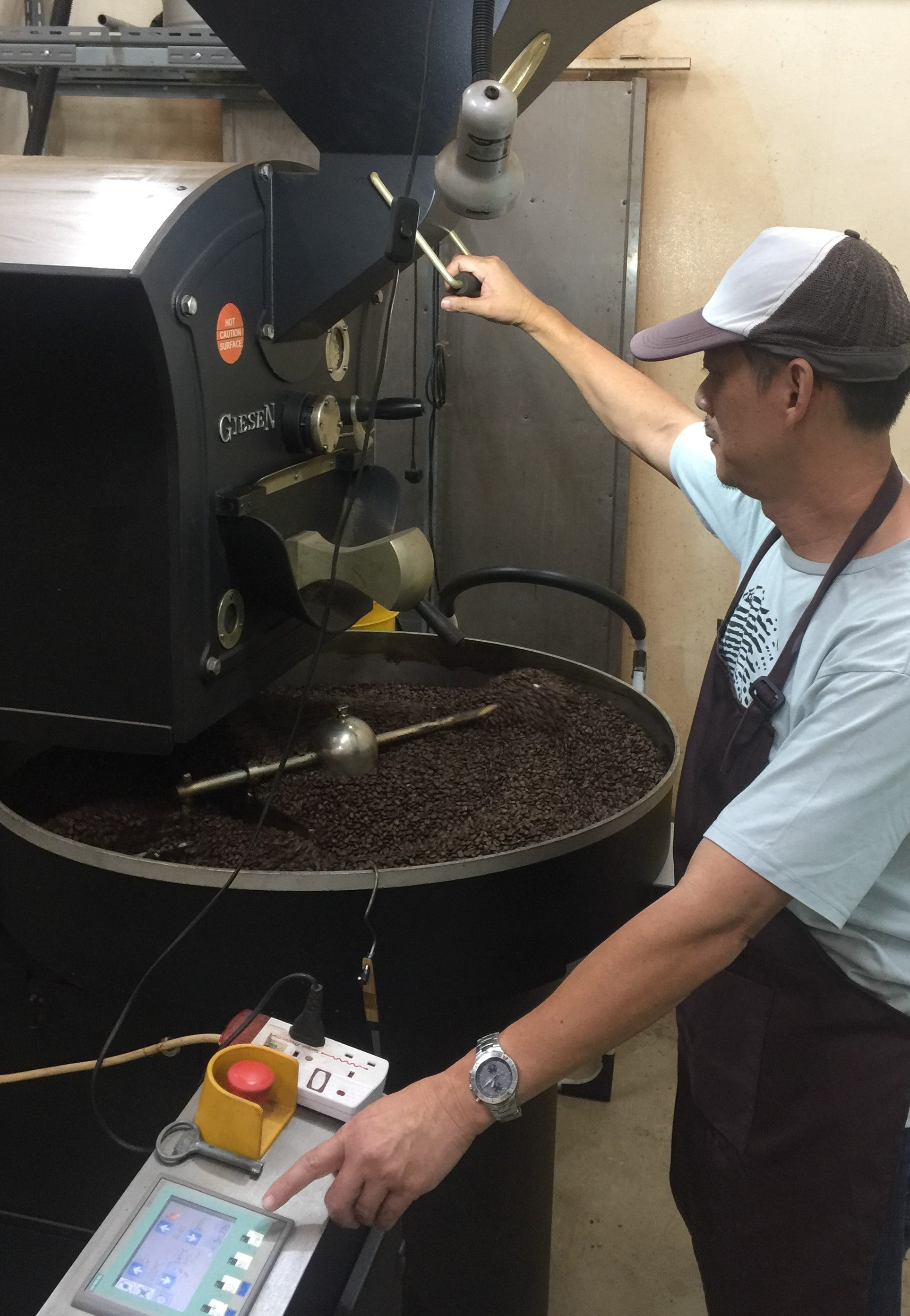 Customized coffee blending and packing