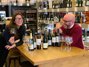 Bruno and Simone taste a wine of the week (WOW)