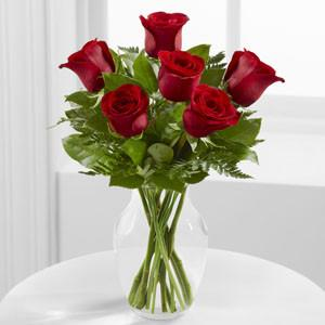 Bouquet - The Simply Enchanting??Rose Bouquet W/ Vase J-E4-4822