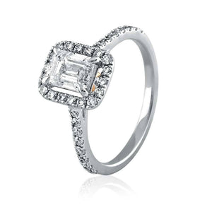 Trendy Engagement Rings in White Gold
