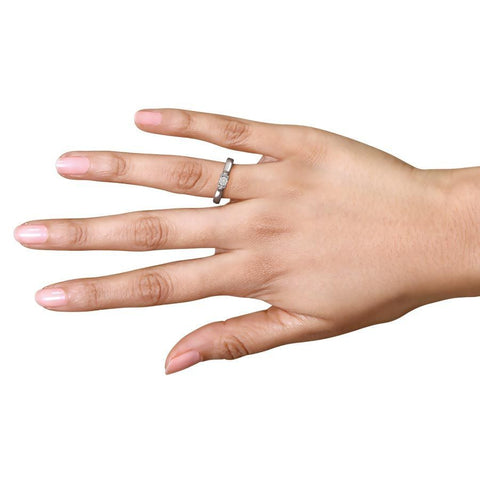 Image of Decorative Diamond Solitaire Ring