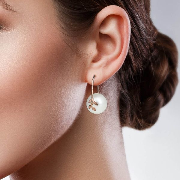 Galet Leaf Pearl Earrings - White