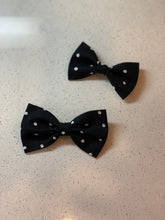 Load image into Gallery viewer, Il Cane Steez Fabric Bow Ties