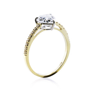 Solitaire Heart Microset Yellow Gold