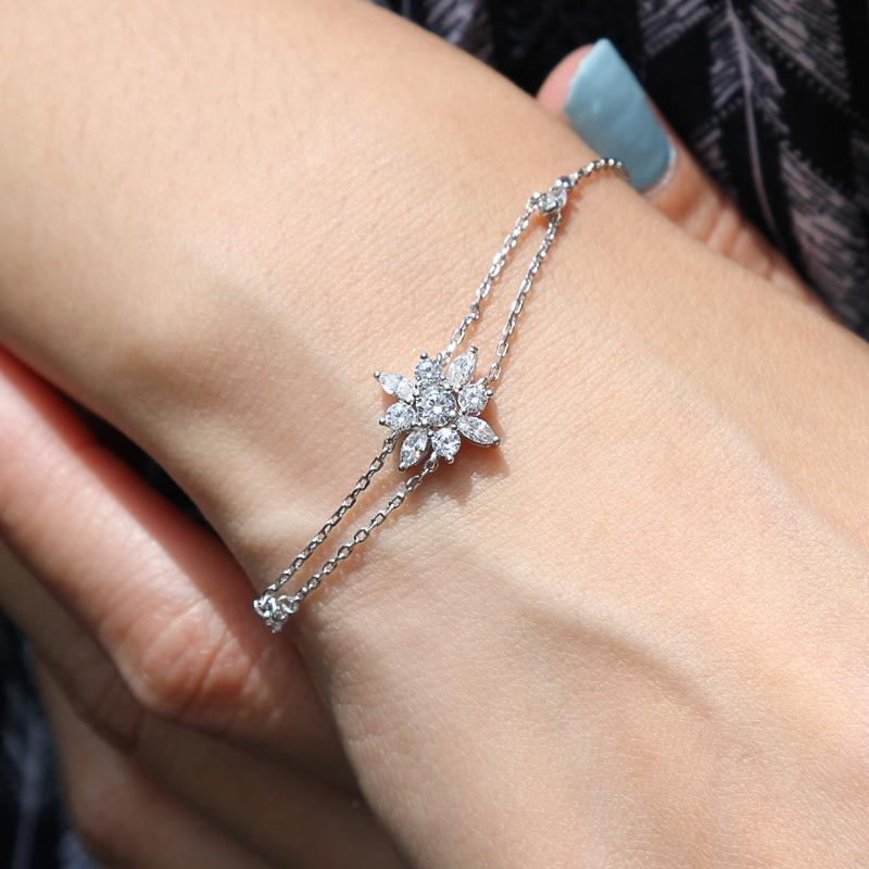 Sterling Silver Adjustable bracelet - Flower design