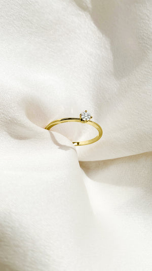 Alora Ring 9K Yellow Gold