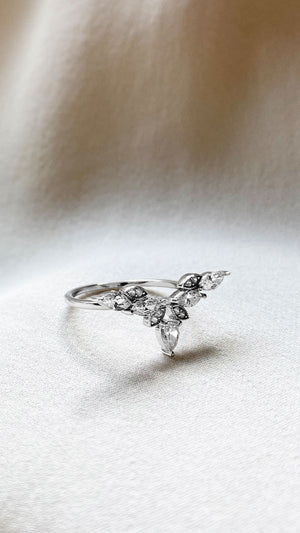 Petal Ring 9K White Gold