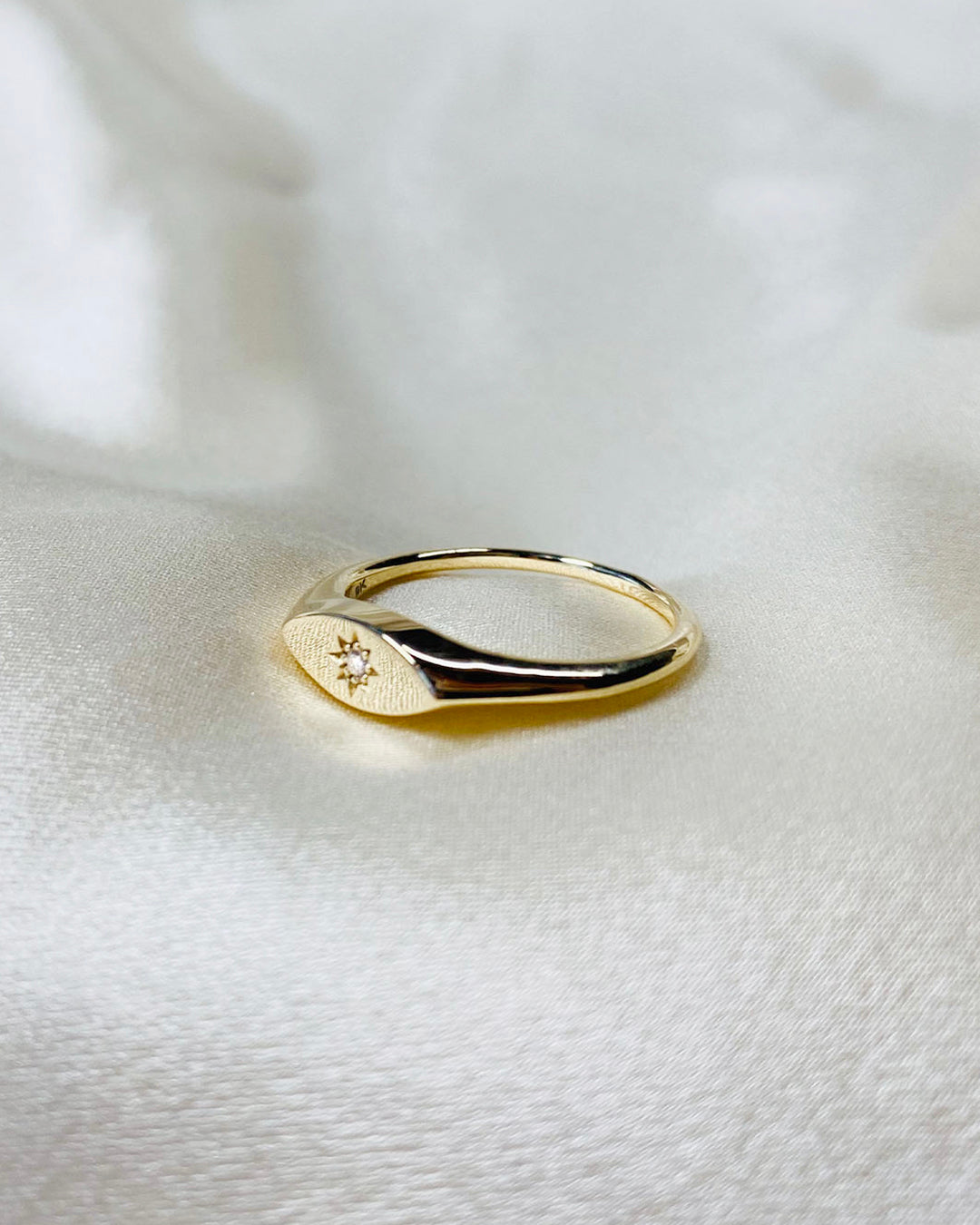 Talia Ring 9K Yellow Gold