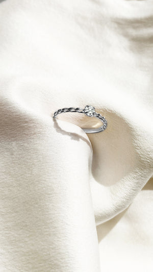 Wrena Ring 9K White Gold