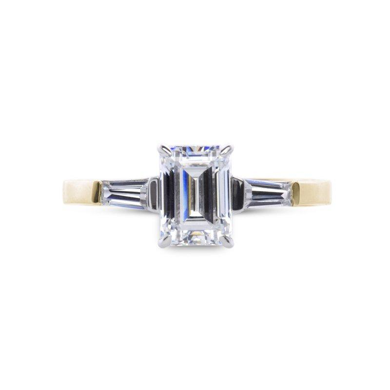 9K Yellow Gold Solitaire ring - Emerald cut