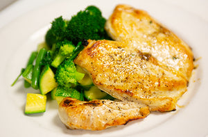 Organic Chicken Breast Grilled with Mixed Green Vegetables