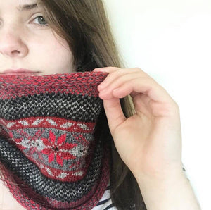 Grant's Reds Knitted Fair Isle Curled Cowl
