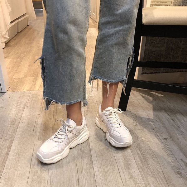 Low-Cut Upper Lace-Up Round Toe Plain Casual Sneakers
