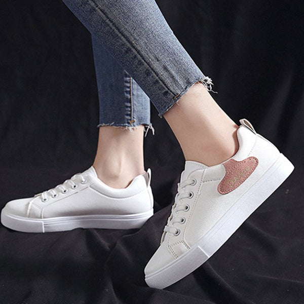 Low-Cut Upper Platform Lace-Up Round Toe Casual PU Sneakers