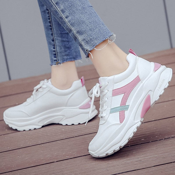 Lace-Up Platform Round Toe Low-Cut Upper PU Color Block Sneakers