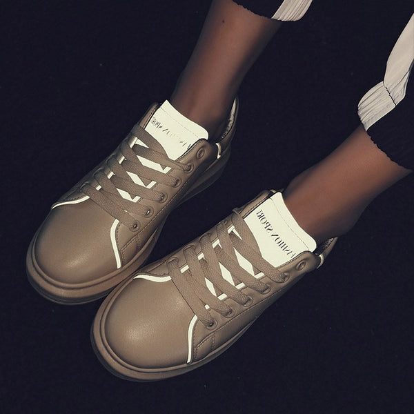 Low-Cut Upper Round Toe Lace-Up Lace-Up Outdoor Flat With Sneakers