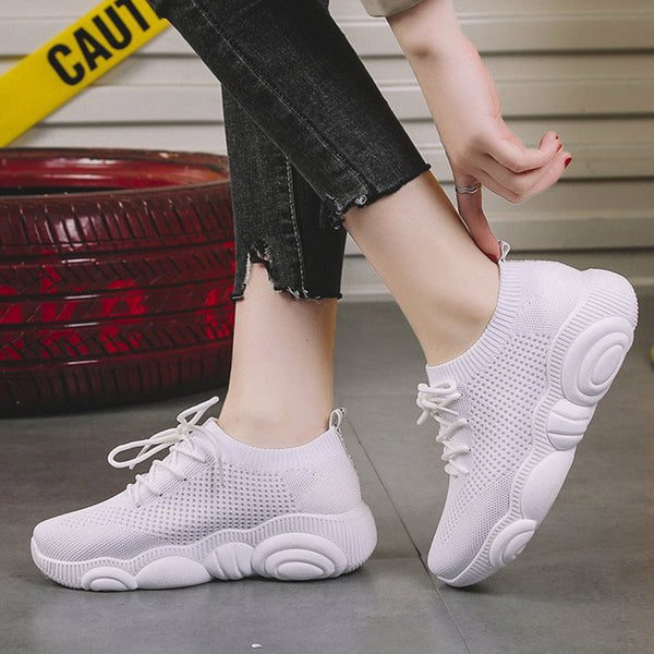 Round Toe Lace-Up Low-Cut Upper Platform Plain Casual Sneakers