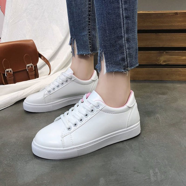 Lace-Up Round Toe Cross Strap Low-Cut Upper Flat With Animal Sneakers