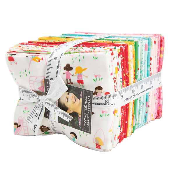 Best Friends Forever Collection by Stacy lest Hsu - 34 PC Fat Quarter P414 - Daz Fabrics