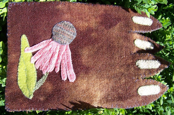 Mug Rug Wool by In the Patch Designs - Coneflower - Kit - Daz Fabrics