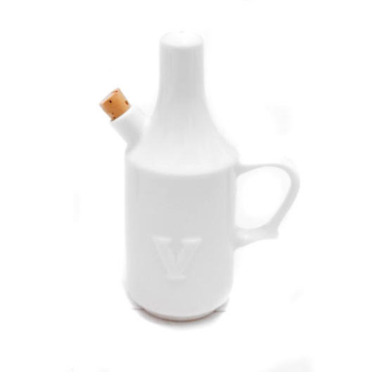 Dignity One Handled Vinegar Pourer