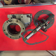 Load image into Gallery viewer, 4R100 4WD EXTENSION  HOUSING SHAFT 5.4l 6.8l OVERDRIVE F250 F350 4X4 Cast Iron