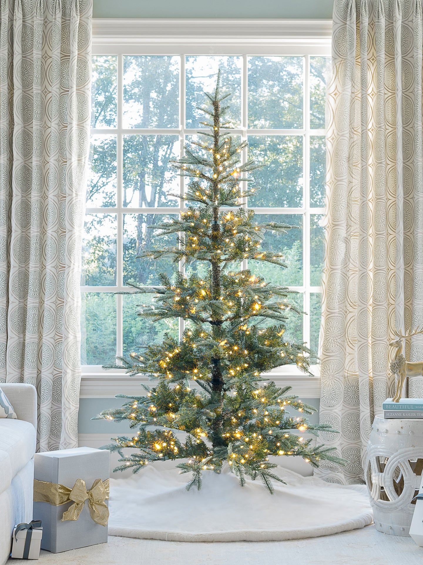 7' King Noble Fir Artificial Christmas Tree with 500 Warm White LED Lights