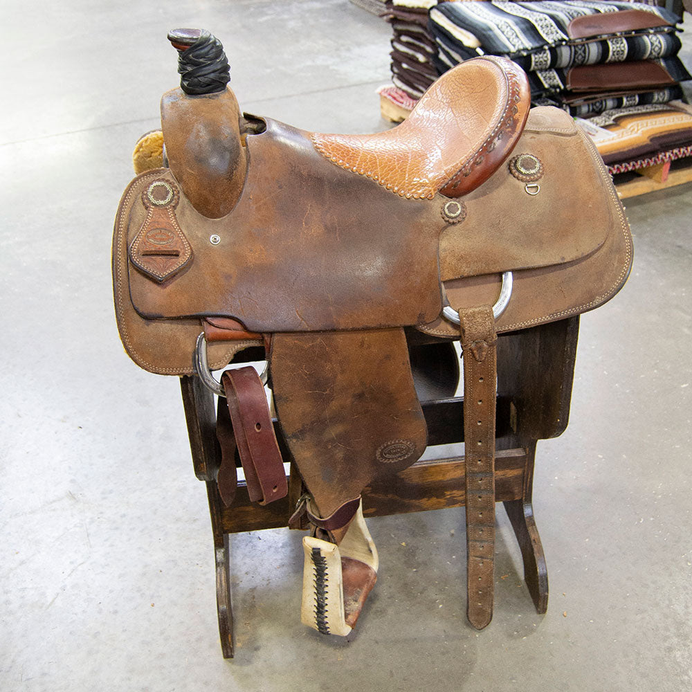 "15"" USED SOUTH TEXAS TACK ROPING SADDLE"