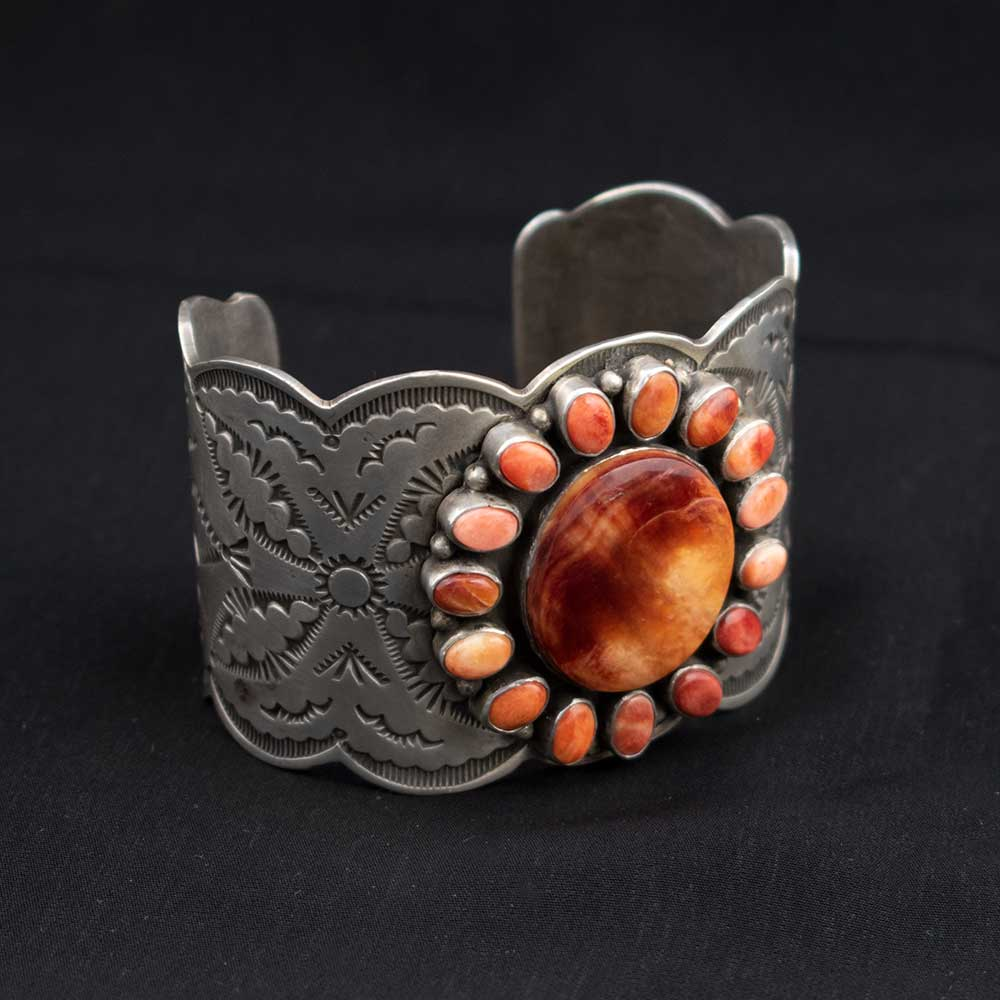Elegant Ranch Spiny Oyster Cuff