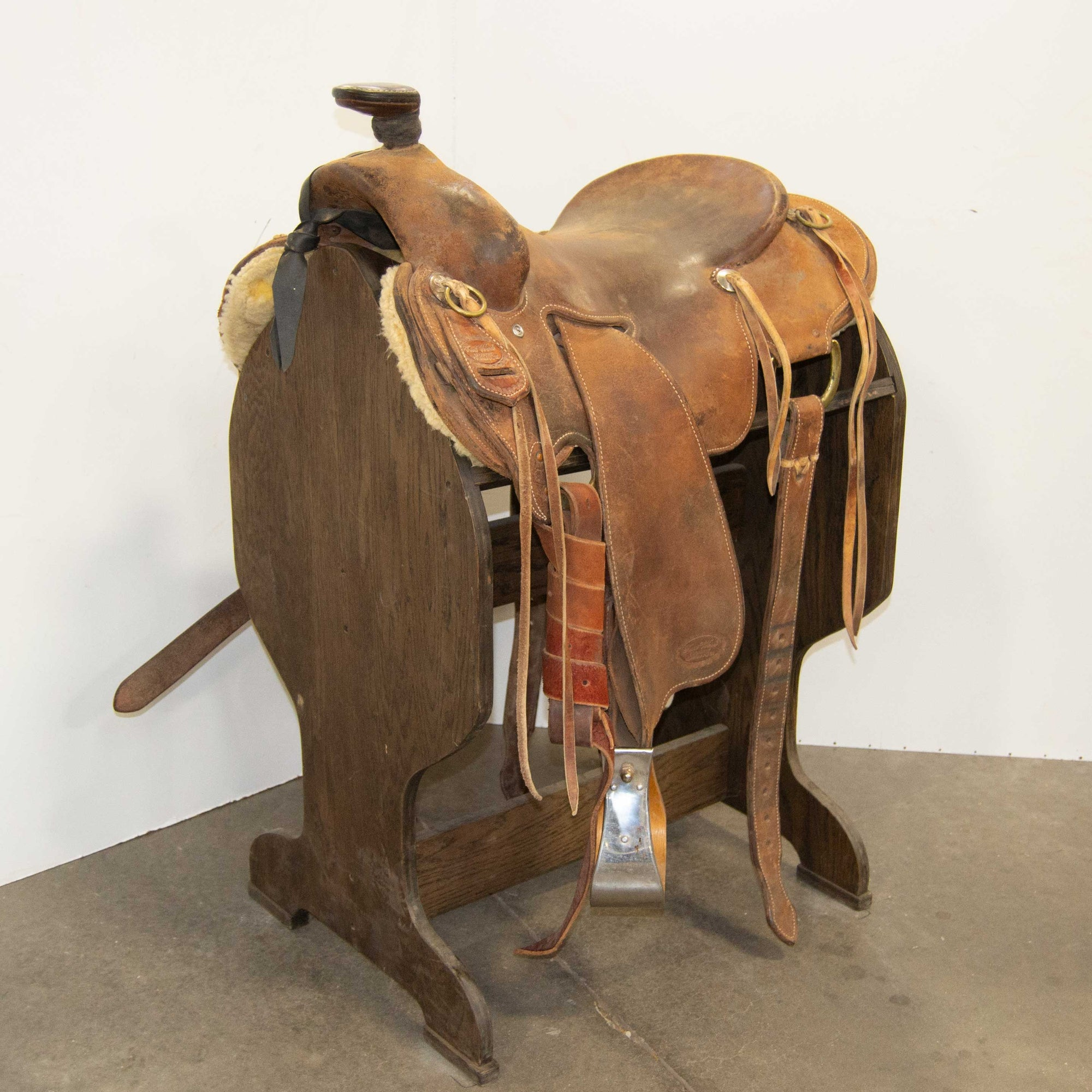 "15.5"" USED TRENT WARD SEAT RIG RANCH SADDLE"