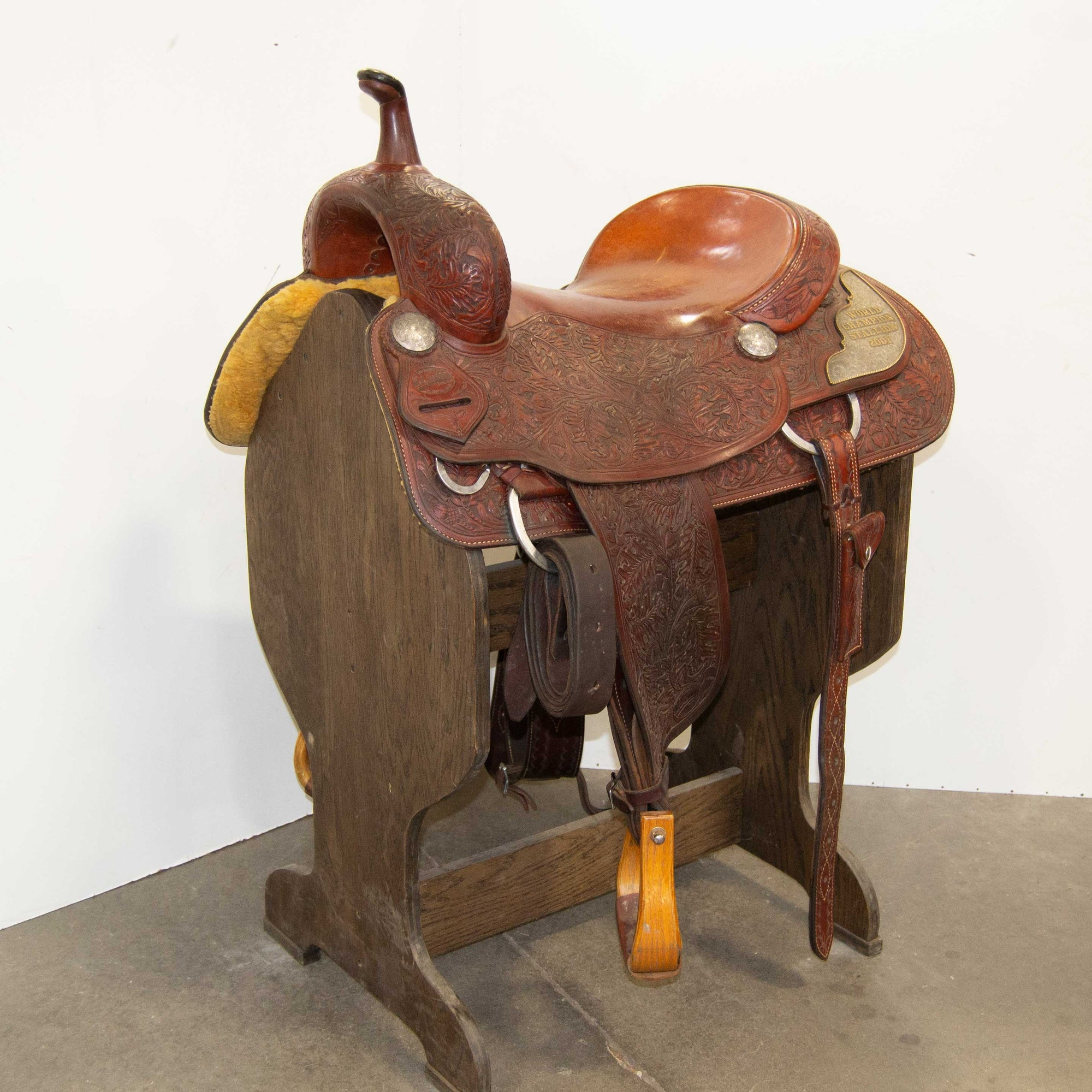 "16.5"" USED M.L LEDDY'S CUTTING SADDLE"
