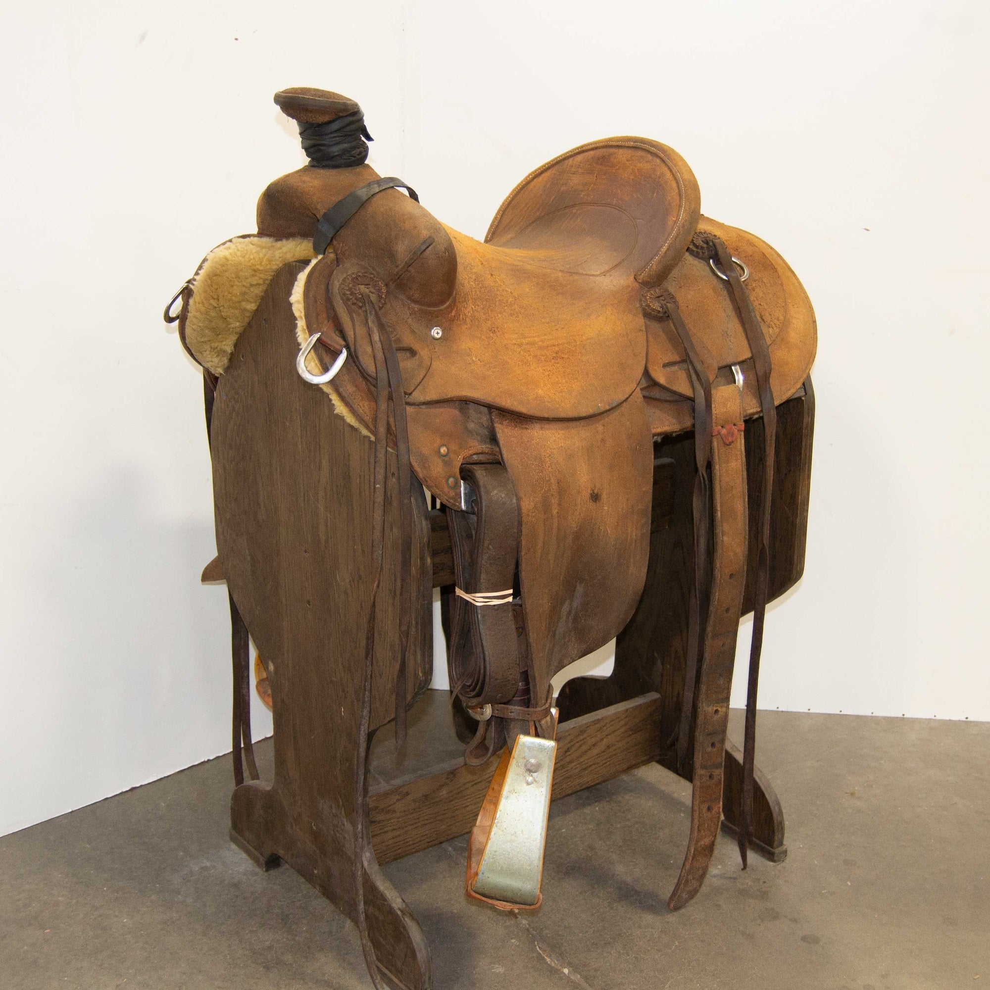 "15"" USED BIG BEN SADDLERY RANCH SADDLE"