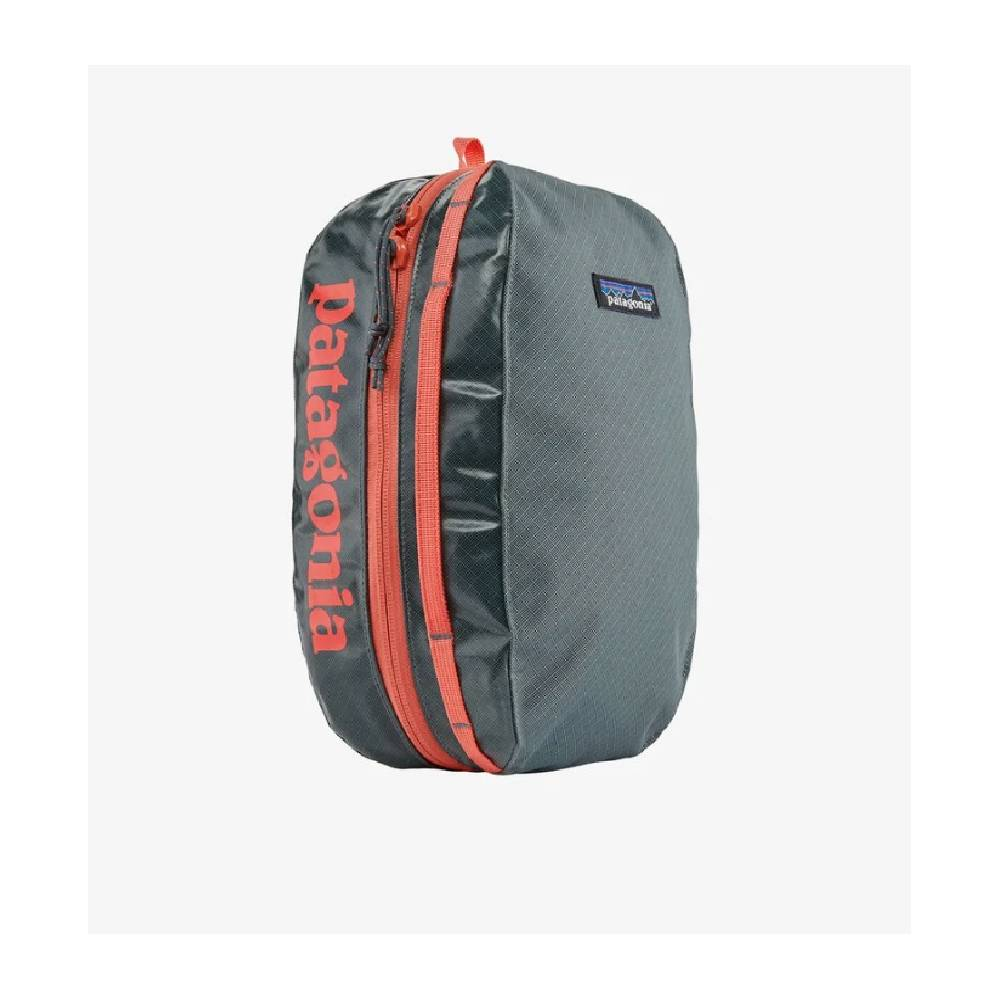 Patagonia Medium Black Hole Cube - Plume Grey ACCESSORIES - Luggage & Travel - Shave Kits Patagonia Teskeys
