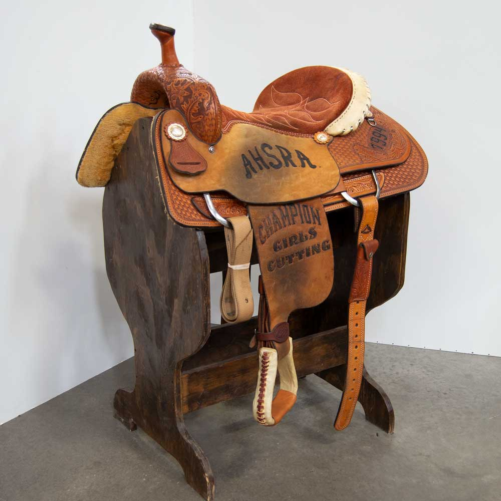"15.5"" USED DOUBLE J ROPING SADDLE"