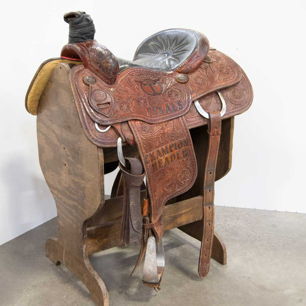 "15"" USED LARRY COATS ROPING SADDLE"