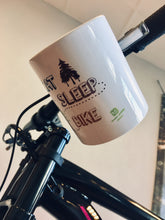 Laden Sie das Bild in den Galerie-Viewer, Kopie von JOllify Kaffeetasse - Eat sleep ride bike - Mtb Mountainbike Tasse