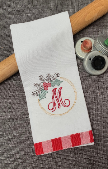 Sketchy Holly Wreath Hand Towel