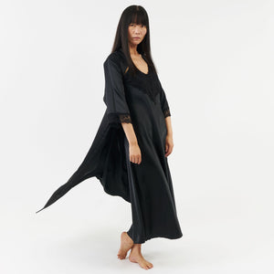 The Alexandra Gown - black