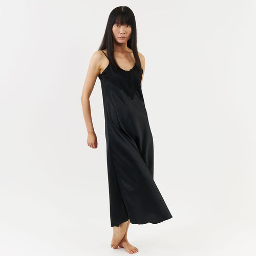 The Victoria Nightie - black