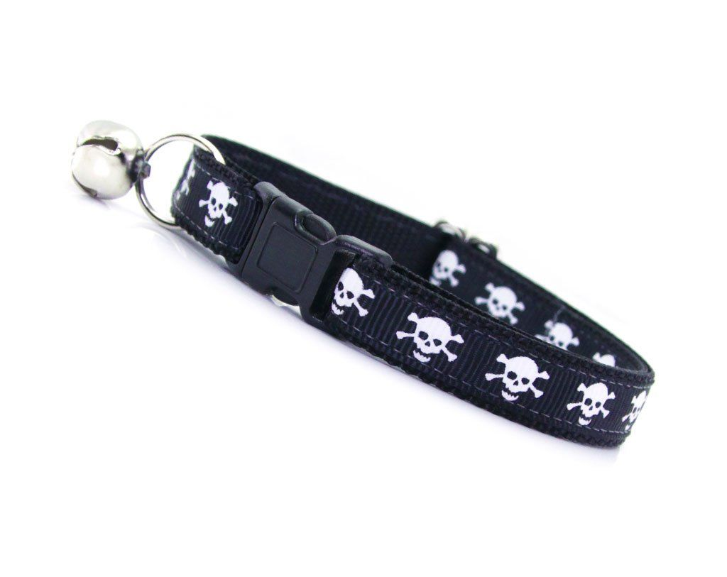 Skull and Bones Cat Collar | Stylish Cat Collars