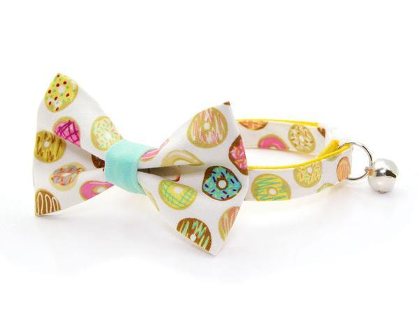 donut print bow tie cat collar