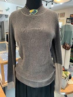 Simple luxury top
