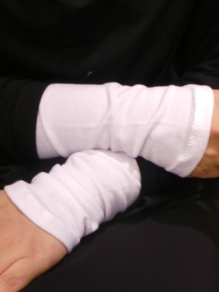 Plain cotton Hand~cuffs (Sarung pergelangan tangan) ~ pack of 3 pairs