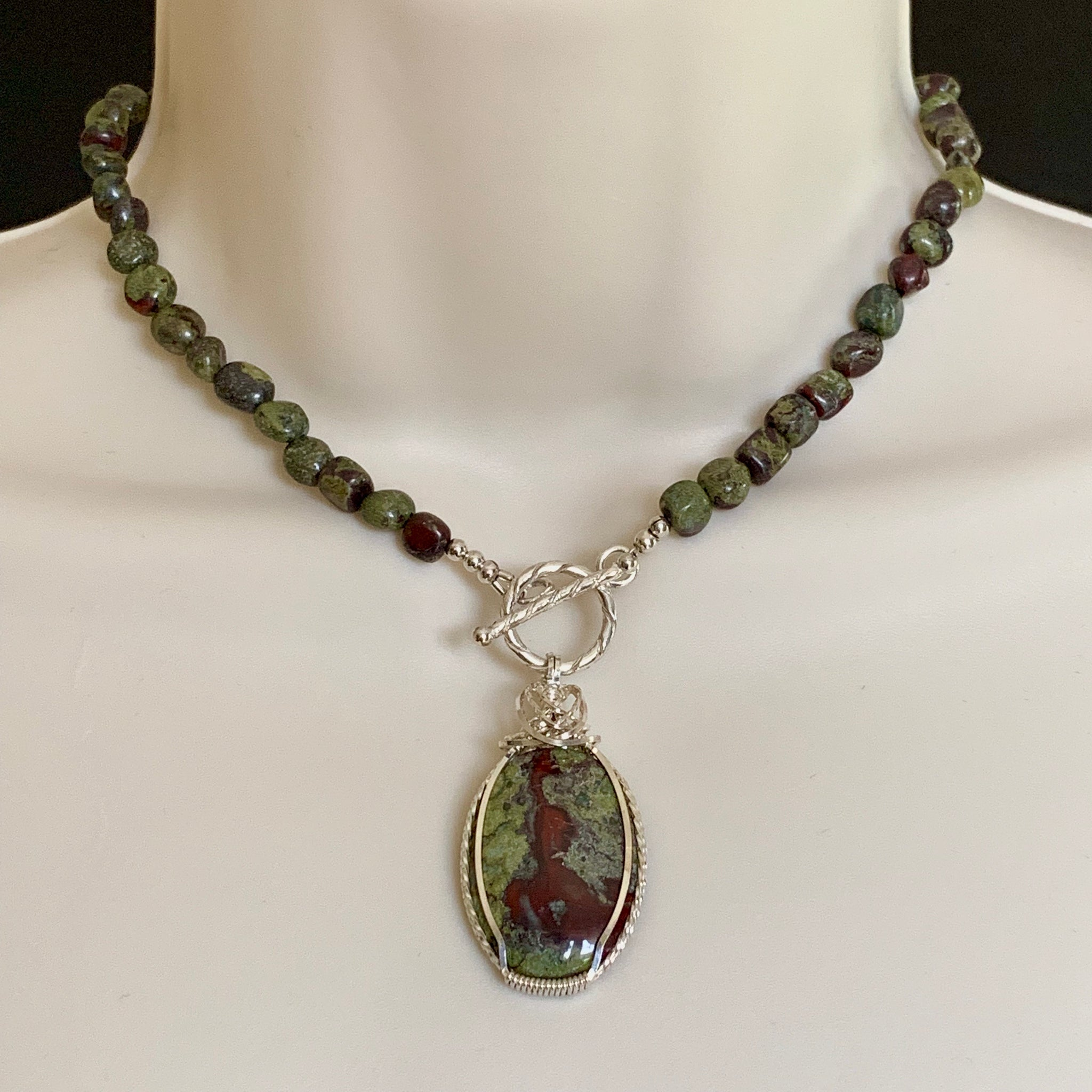 HANDMADE STERLING SILVER NATURAL BLOODSTONE NECKLACE