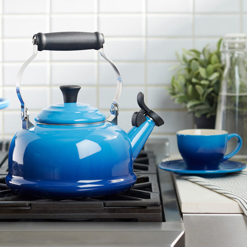 products/blueberry-whistling-kettle-2.jpg
