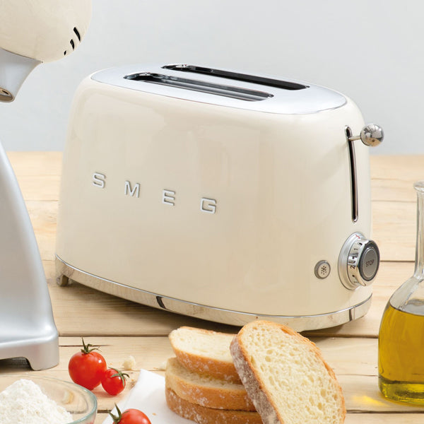 products/smeg-2-slice-toaster-cream-scene.jpg