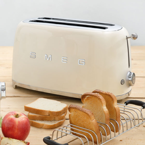 products/smeg-4-slice-toaster-cream-scene.jpg