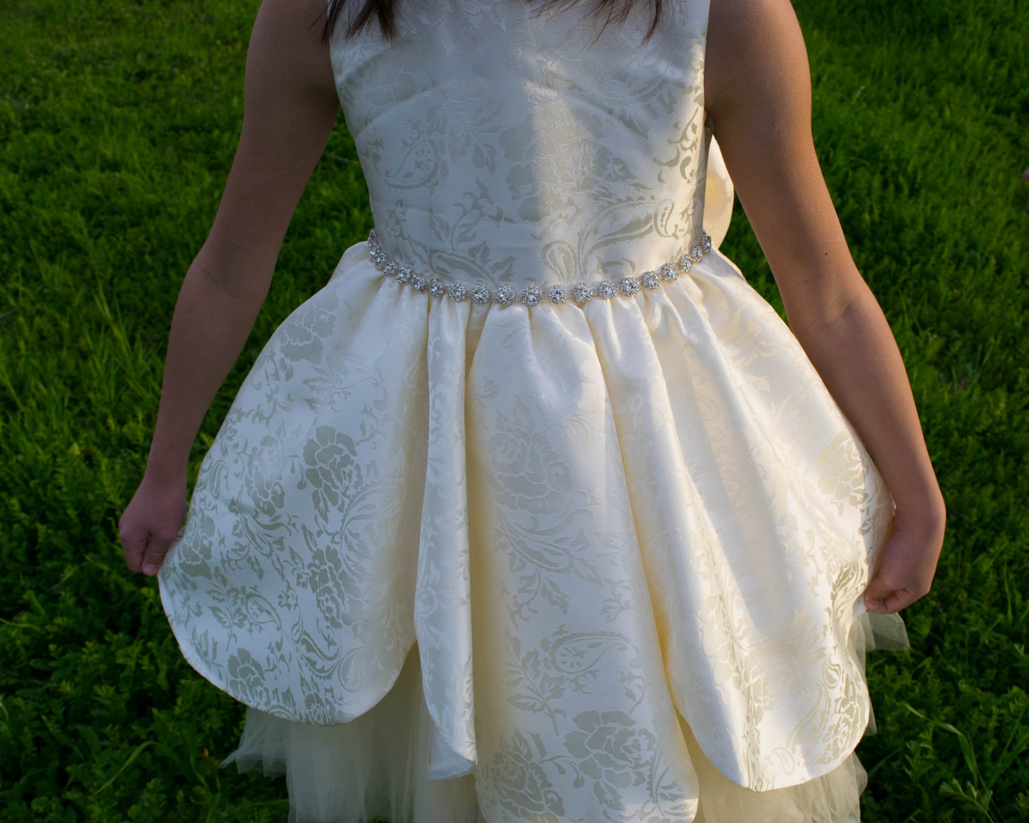 a49d67177 Girl Ivory Floral Jacquard Brocade Petal Tulle Dress with Bow (Size 2, 4,